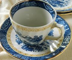 Angol Royal Tudor csésze és kistányér, teás kávés szett