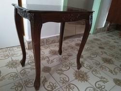 Antik intarziás faragott dohányzó asztal