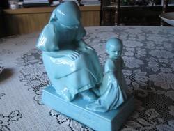 Solnay   Sinkó  Anya  kislányával ,jelzett , a kislány nyakánál ragasztás,oldalán gyári repedés 15x