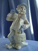 Régi Német porcelán figura , integető bohóc hibátlan vitrin állapotban van....