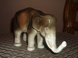 Káprázatos Royal Dux indiai elefánt