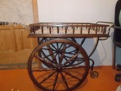 Antik zsúrkocsi megkimélt állapotban