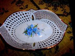 Porcelán kínáló tál áttört szegéllyel, nefelejcses mintával
