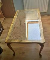 Chippendale stílusú dohányzóasztal