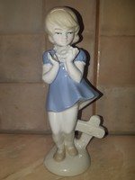 Német porcelán kislány