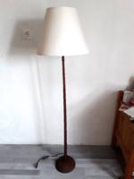 Vintage Mid-Century,fa talapzatú iparművész álló lámpa