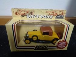 Lledo brit fém autó az 1980-as évekből, Days Gone-sorozat!