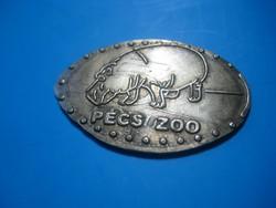 Pécs  ZOO   régebbi    jelvény , sétabot dísz  ,  25 x 35 mm