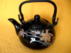 Fekete alapon orchideás teás kanna