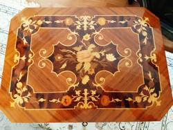 Intarziás varróasztal,játékasztal