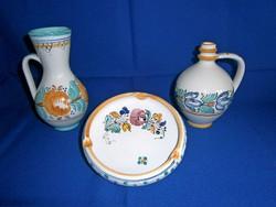 3 db kézzel festett Habán kerámia: korsó, kancsó, hamutál, hamutartó