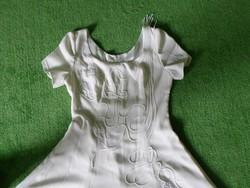 Vintage hímzett, rátétes, tört fehér színű esküvői ruha, hibátlan