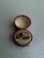 925 ezüst gyűrű apró kővel