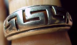 925 ezüst gyűrű, 16,7/52,4 mm, labirintus mintával