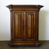0I484 Antik kétajtós barokk szekrény 1800