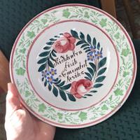 """Apátfalvi , Bélapátfalvi """"Ki Istenben bízik nem csalatkozik"""" feliratú népi festett tányér"""