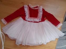 Gyönyörű ruha régi babára