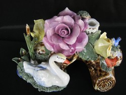 Gazdagon díszített HATALMAS porcelán hattyús asztaldísz gyertyatartó