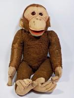 Régi szalmával tömött majom