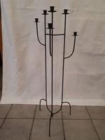 6 ágú fém gyertyatartó, 106 cm magas