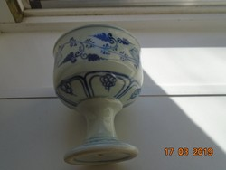 Antik kínai kobaltkékkel festett talpas ivó edény, gazdag mintavilág