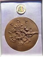 Jelzett S.Á. Kiváló Termelőszövetkezeti Munkáért TOT bronz emlékérem dobozában