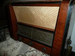 Terta T325 antik rádió 1957-ből