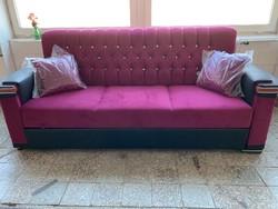 Új Chesterfield stílusú kihúzhatós ágyazható kanapé