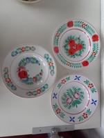 Hollóházi tányérok, 3 db