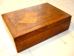 Antik, intarziás, levél vagy írószertartó fadoboz