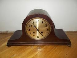 Régi felesütős mechanikus kandalló óra komód óra
