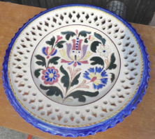 Bozsik Kálmán 32 cm átmérőjű tányér kereskedői matricával