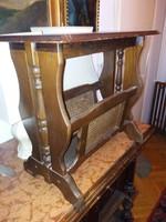 Újságtartós asztalka, kb.50x40x30-as, megkímélt, de használt állapotban