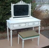 Fehér tükrös asztal ülőkéjével!!!