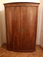 Biedermeier hasas szekrény