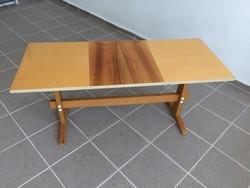 Régi retro magasfényű betétes asztal 70-es évek