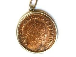 Diocletianus ókori görög-római pénzérme, lázsiás ezüst foglalatban