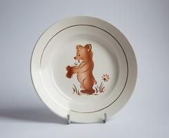 Gránit Kispest gyerek tányér - mesejelenetes retro porcelán - kólát ivó mackóval - maci - medve