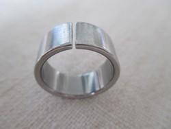 Attraktív nemesacél (ún. orvosi fém) design gyűrű