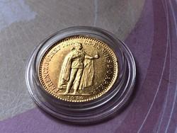 1910 arany 10 korona ,szép darab kapszulában