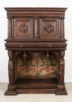 Reneszánsz stílusú kabinet szekrény