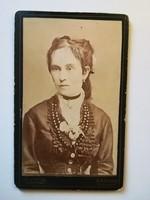 Régi fotó női portré