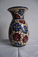 Antik virágos váza.