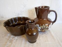 3 db Városlődi barna kerámia: kuglófsütő, nagy vizes kancsó-korsó, váza