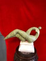 Jade absztrakt szobor -màrvànytalppal.sérült