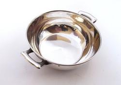 Kisebb ezüst füles edény.