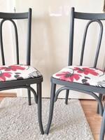 Régi székek festve, újrakárpitozva