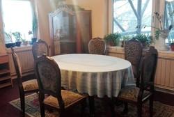 Neobarokk asztal, hat székkel és nagy tálalóval