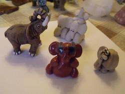 4db picike kerámia elefánt együtt