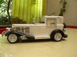 Szép Olds mobil, régi autó makett, 34 x 14 x 14 cm